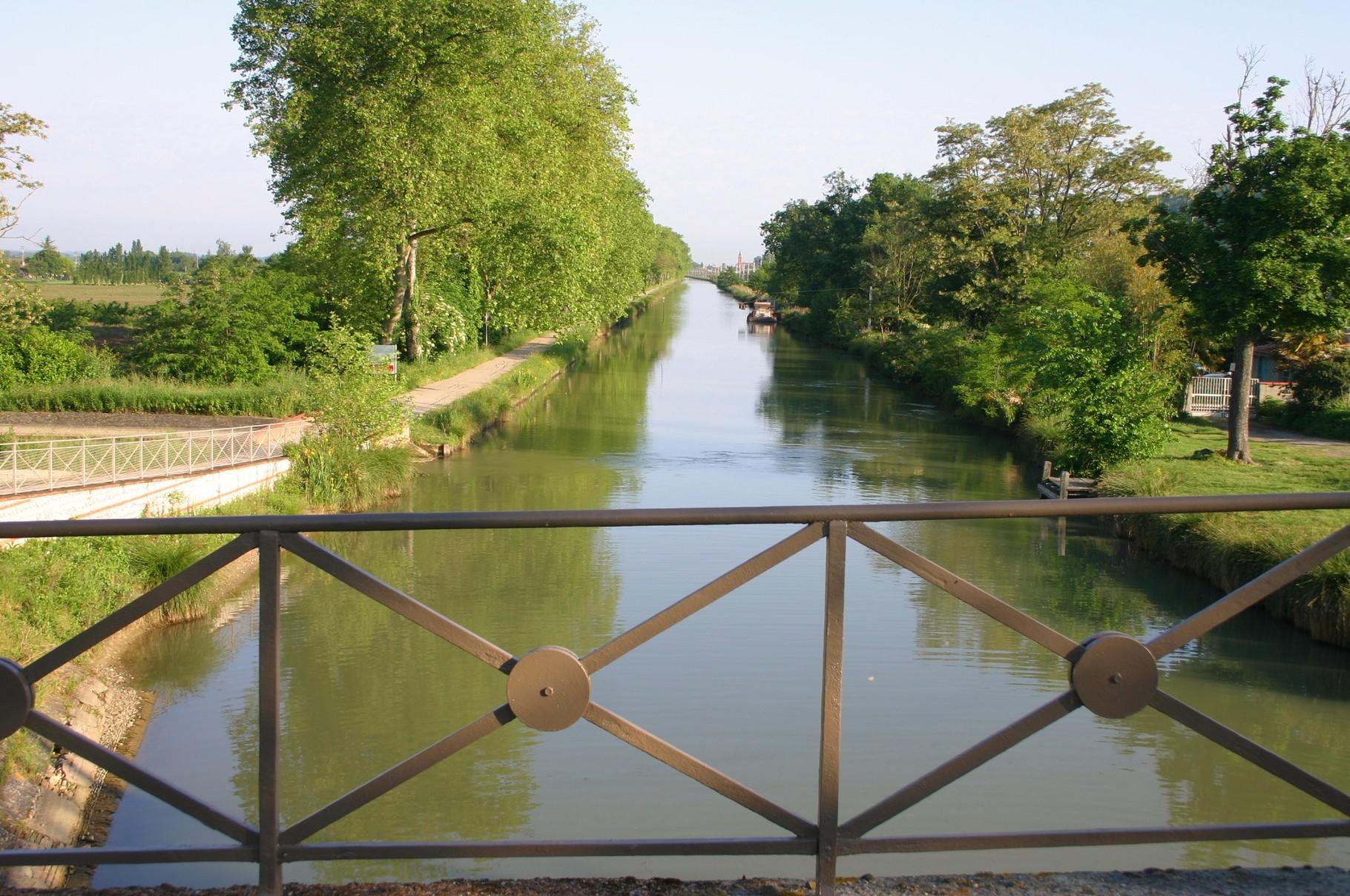 Vue vers le nord depuis le pont d'Embalens
