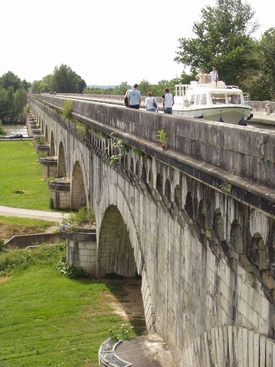 Le pont-canal d'Agen. (Dept 47)
