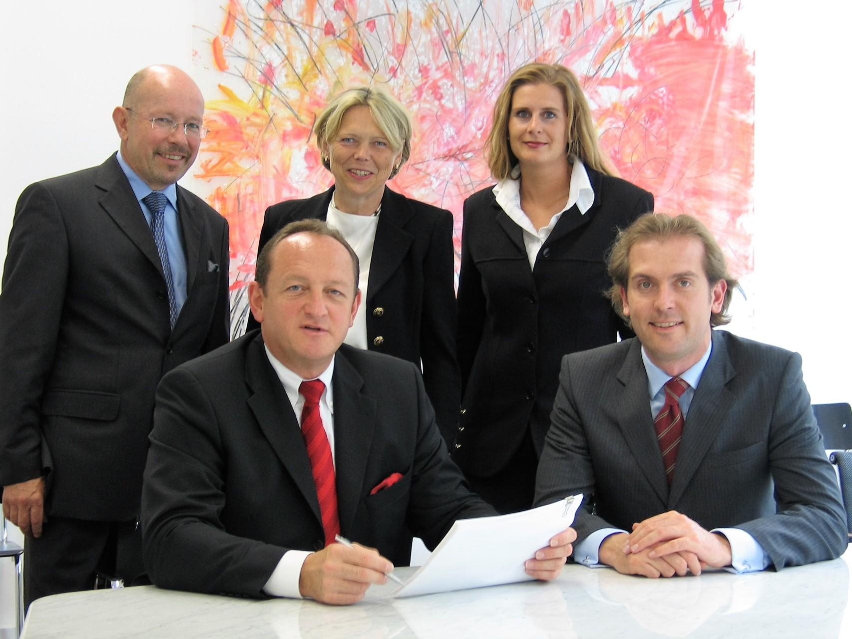 Die Gründer des BRSI e. V. beginnend von links mit unserem heutigen Vorstand und Geschäftsführer Dr. Dieter Körner sowie unserem Initiator Eugen M. Angster †, Gabriele Stahl, Susanne Meixner und Werner von Anhalt