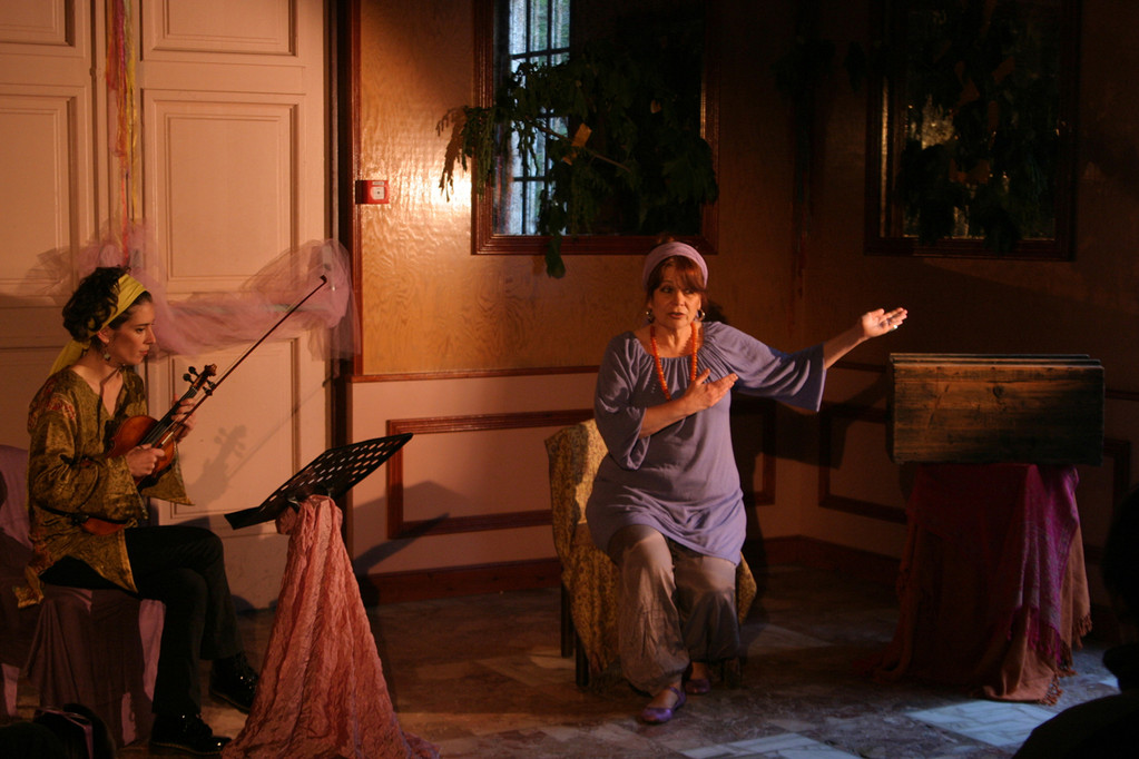LES CONTES DU SENTIER PARFUME,Teatrale di Bastia, VIOLON : Vanessa CAHUZAC