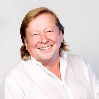 Viktor J. Medikow, Dr. der Wirtschaftswissenschaften