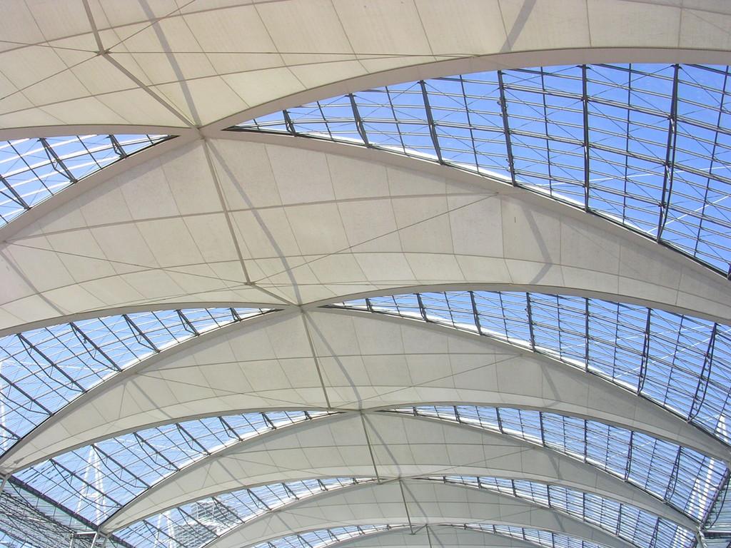 Das Vordach des Münchner Flughafens
