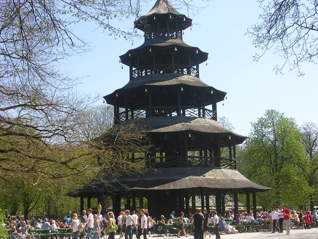 Der Chinesische Turm im Englischen Garten.
