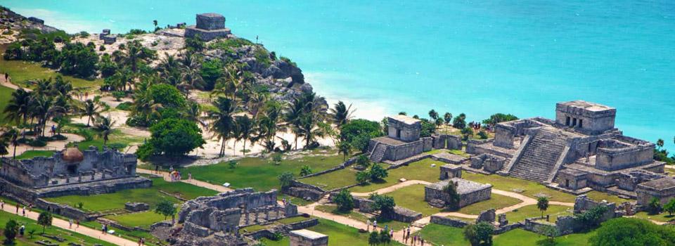 ... aber ebenso berühmt sind die Maya-Ruinen über dem Meer