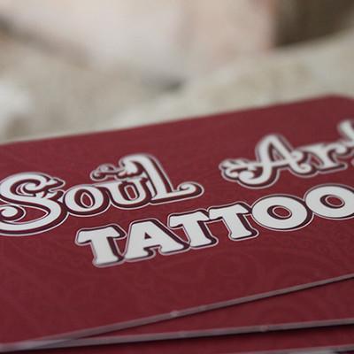 SoulArt Tattoostudio Visitenkarten mit Relieflack und abgerundeten Ecken