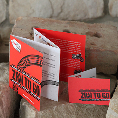 ZRM AG TO GO Infofolder Quadrat und Klappvisitenkarte