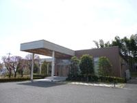 慈林薬師会館の外観