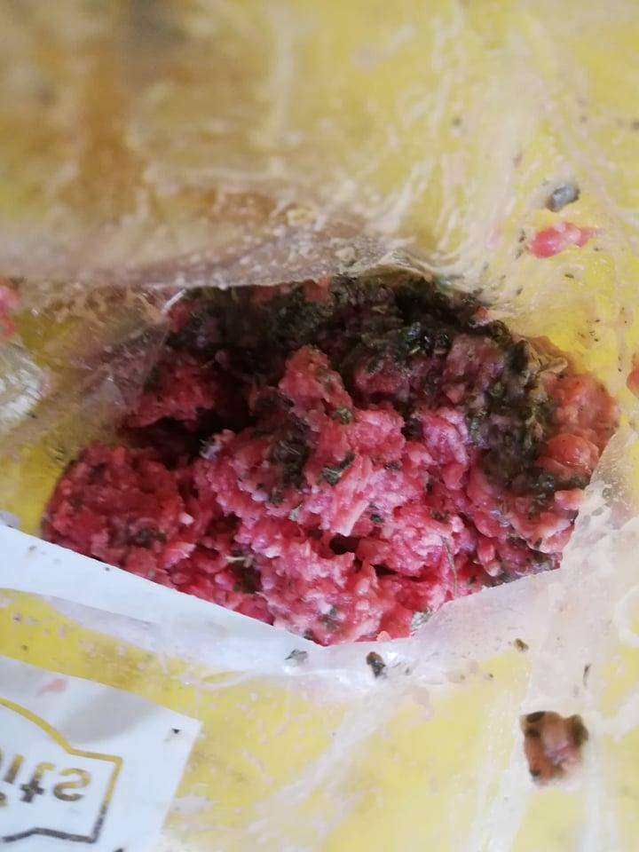 Rinderfleisch mit Obst-Gemüsebrei und Himberblätter