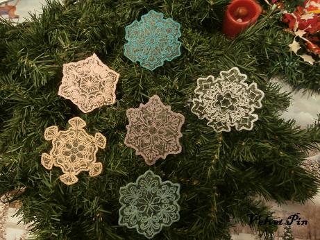Schneeflocken auf Organza von Embroidery Library