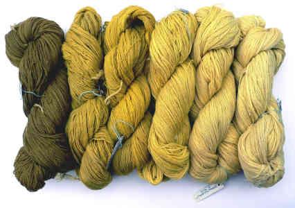 Wolle mit Naturfarben