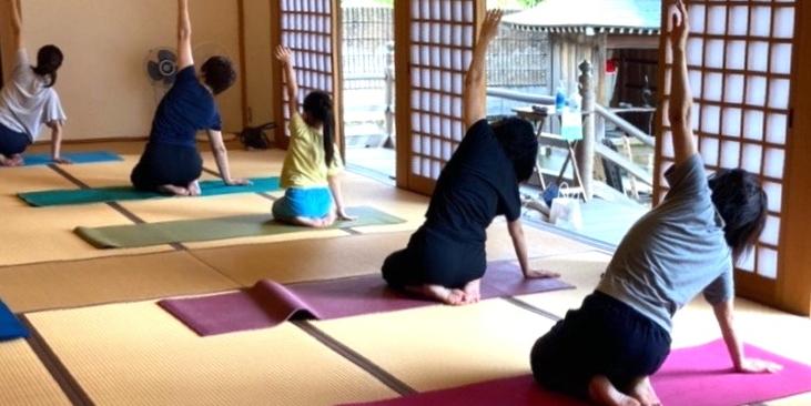 テラヨガ:地域のお寺で気軽にヨガ