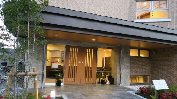 サンコティ茨木は、若園公園近くの閑静な住宅街にあります。
