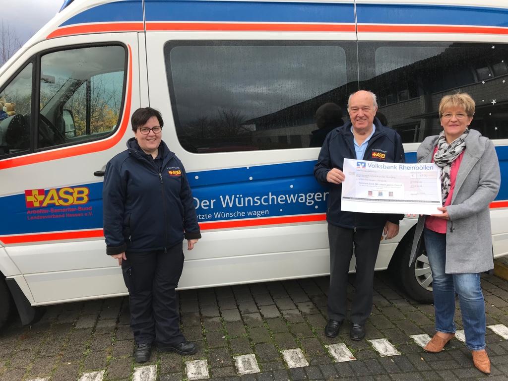 Der Wünschewagen Hessen durfte sich über eine Spende von 1.750 Euro freuen.