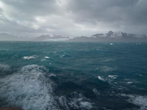 nach zwei stürmischen Seetagen im Nebel dieser Anblick!