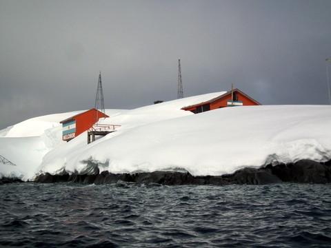 auf Melchior Island ist eine Argentinische Forschungsstation noch im Winterschlaf