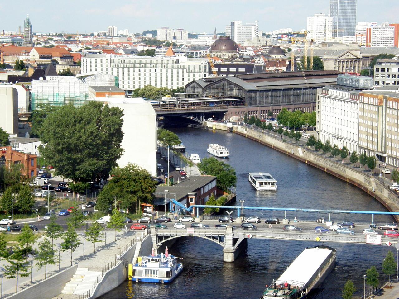 S-Bahn Station Friedrichstrasse, früher ein Grenzübergang.