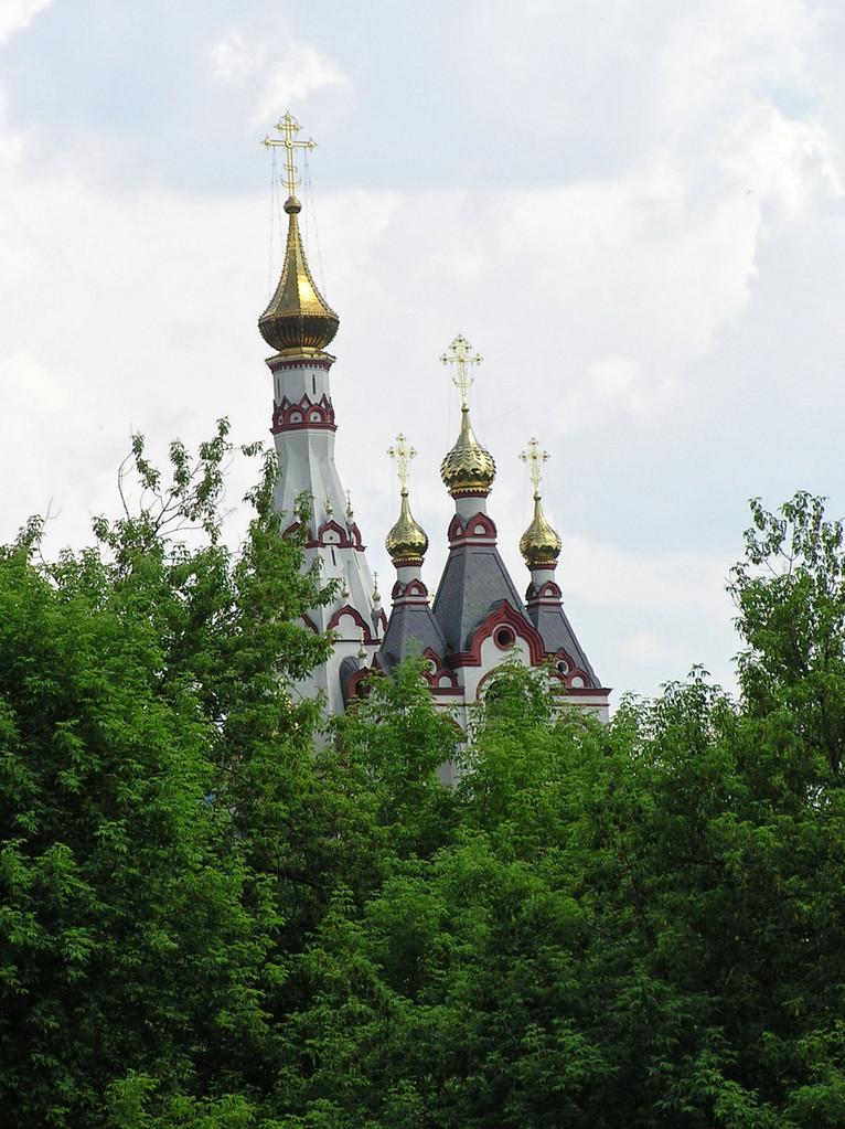 ... malerische Kirchen, ...
