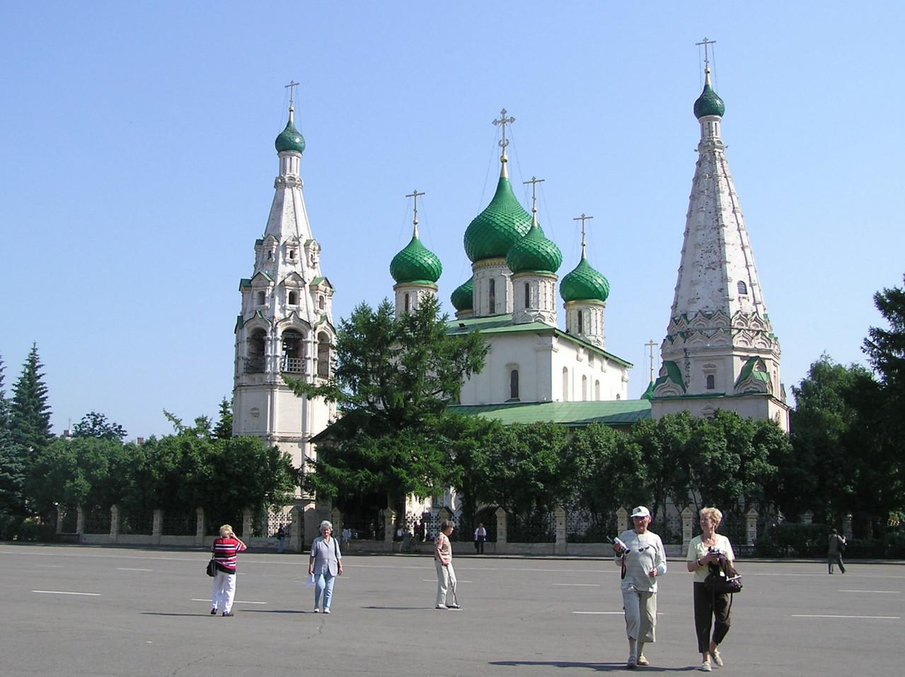 ... Prophet-Elias-Kirche aus dem 17. Jhdt ...