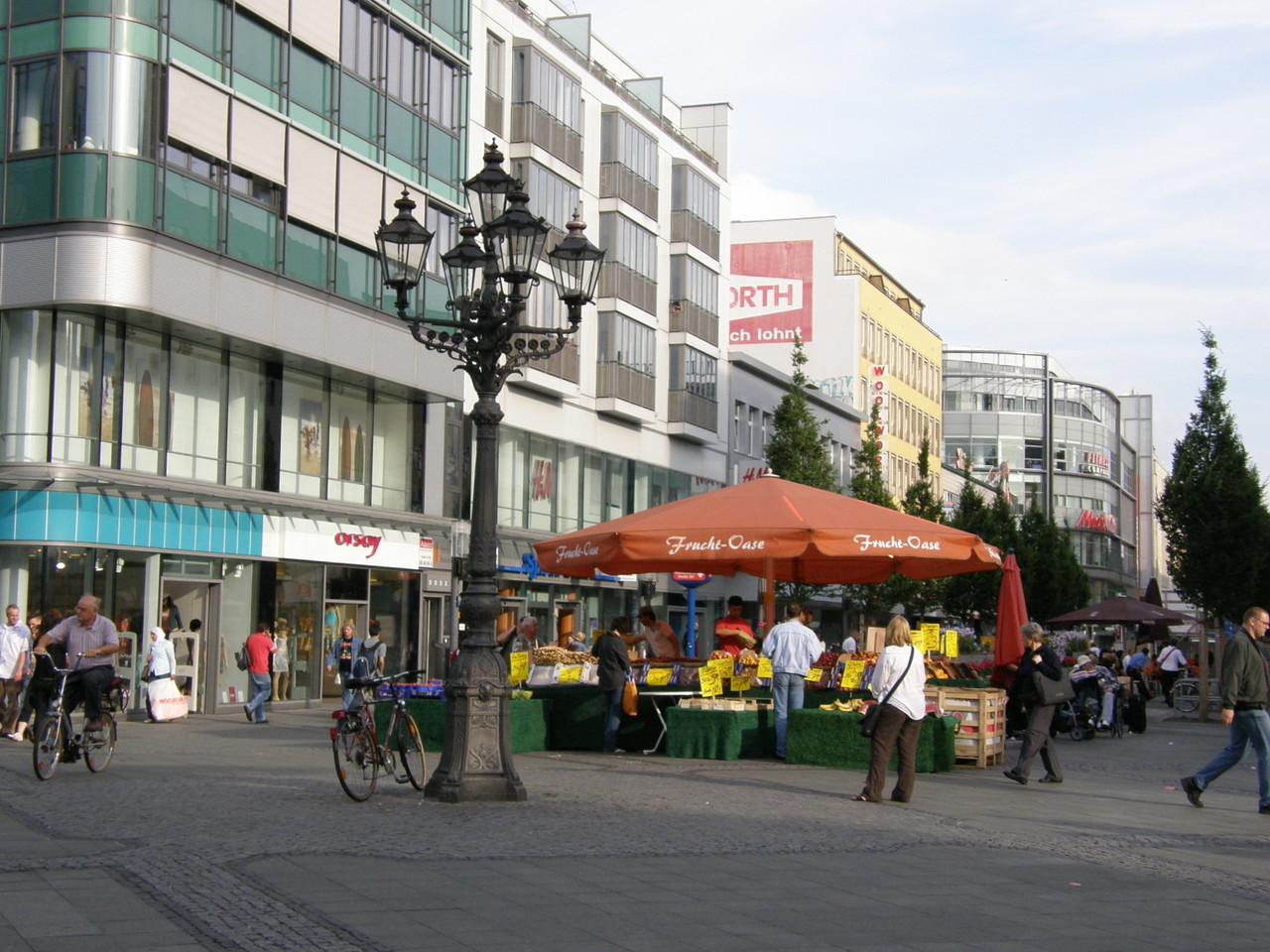 """... auf der """"Meidlinger Hauptstrasse"""" suchen wir ..."""