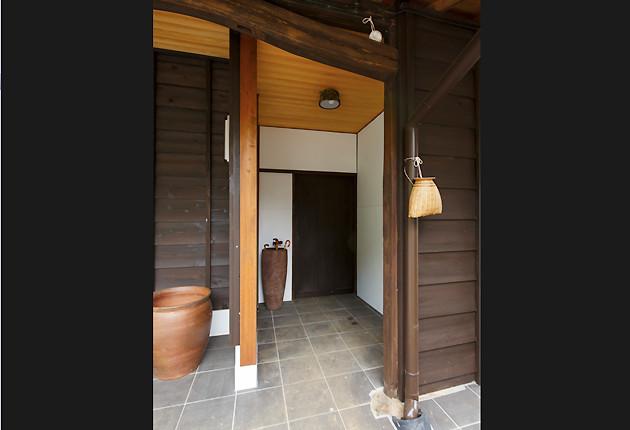 外から使えるトイレはそのまま残し外観と統一