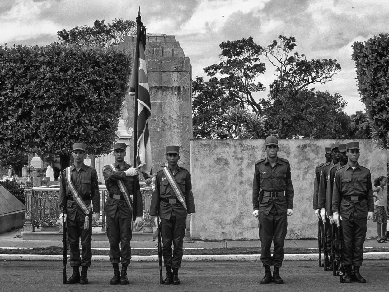 Beerdigung eines hohen Militärs auf dem Friedhof