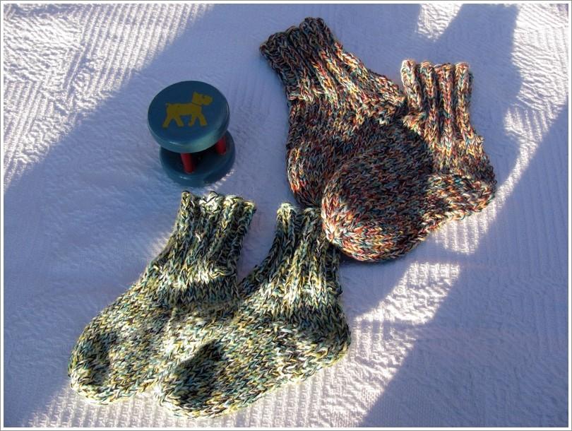 Babysocken aus Wollresten