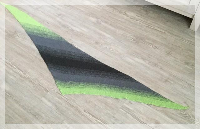 """Tuch frei nach """"Linus"""" von Annett Cordes (ravelry) / Wolle: Ich-wünsch-mir-was-Knäuel 5-farbig / gestrickt von Monika B."""