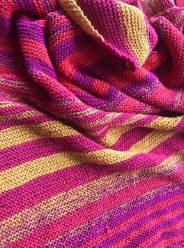 Sommerliebe / Farbzusammenstellung sowie Tuch gestrickt und fotografiert von Annegret Germer.