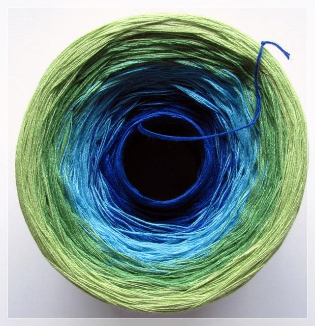 enzian-capri-froschgrün-blattgrün