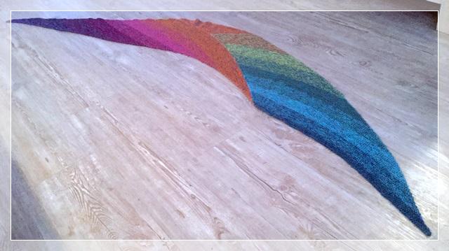 """Schal """"Easy"""" von Martina Behm / Wolle: Coloursplash / Verbrauch 550m / gestrickt von Monika Bierlein"""