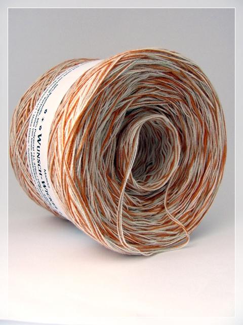 Melierte Wolle ohne Farbverlauf 4-fädig aus 2x creme, 1x beige und 1x golden ocker