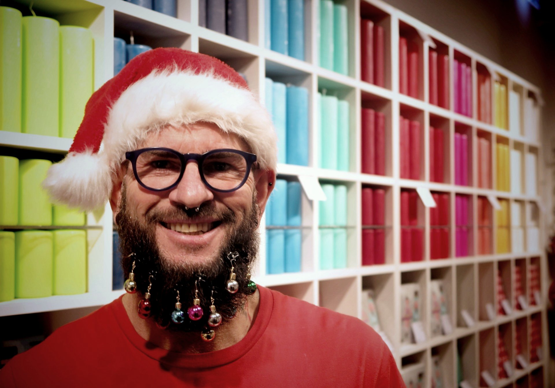 Dotmatchbox: x-mas-ball bearded man