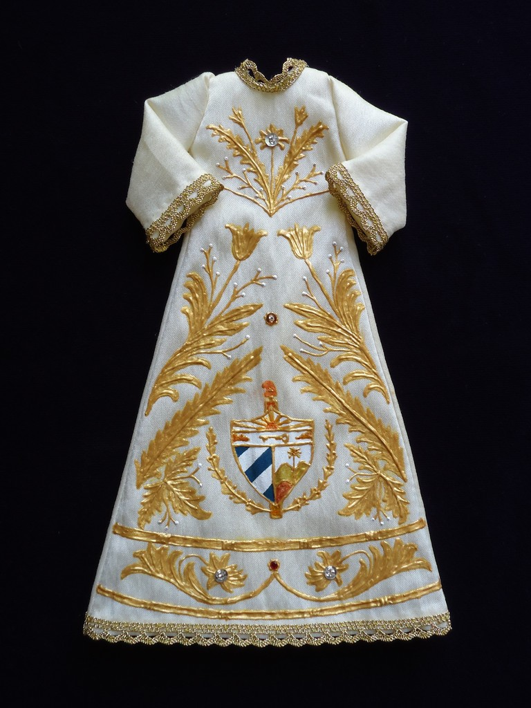 Réplica de la saya de la Virgen de la Caridad del Cobre (Patrona de Cuba)