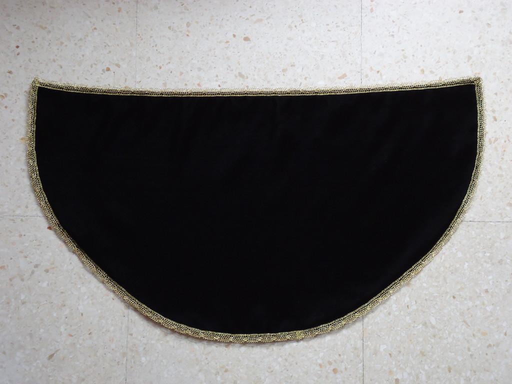 Manto terciopelo negro 2