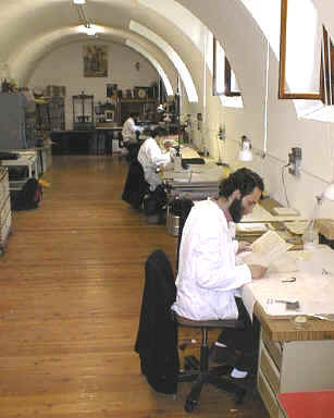Laboratorio restauro libri Frati Abbazia Novalesa
