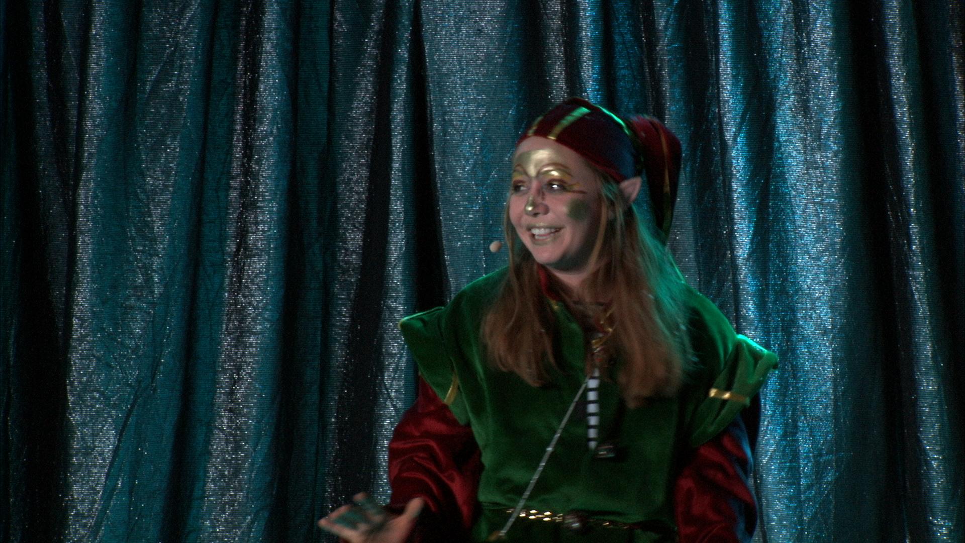 Bühnen-Szene - Ibu der Weihnachts-Elf