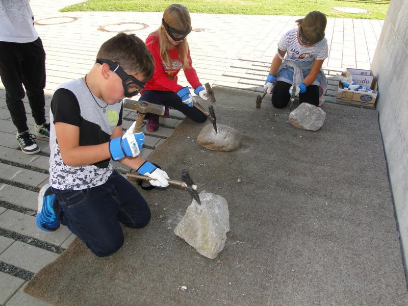 Voller Einsatz beim Steineklofpen