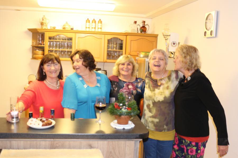 Emmi, Barbara, Hanni, Sabine u. Henrike - Foto: P.Huber
