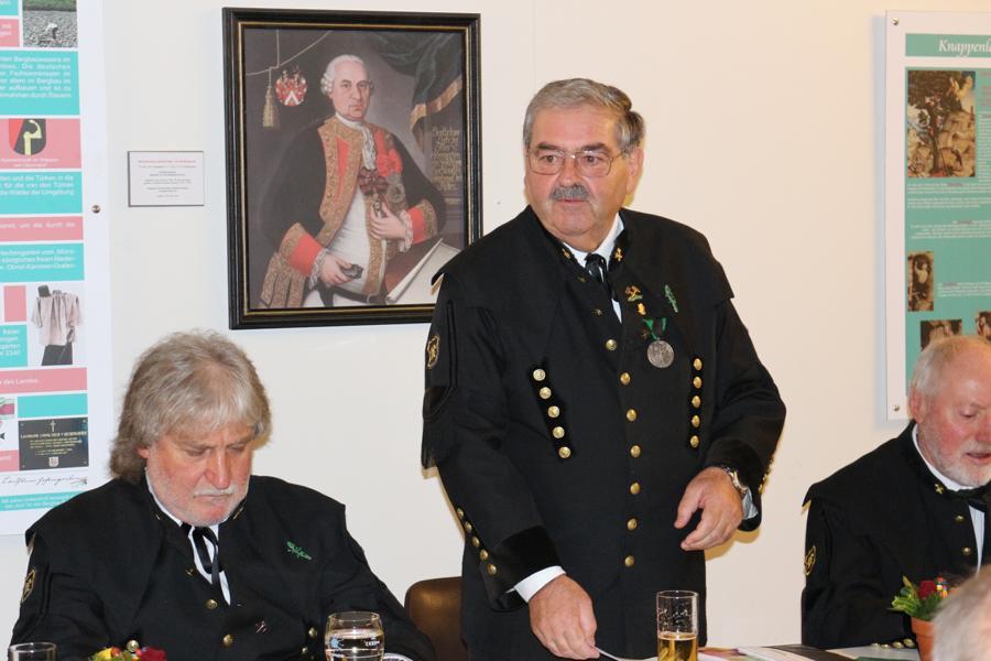 Obmann Georg Brunner begrüßt die Anwesenden