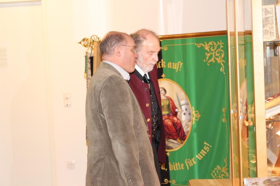 Koop. Eugen Rybansky bestaunt das Museum