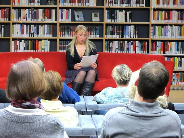 Dagmar Isabell Schmidbauer in der Library Lounge