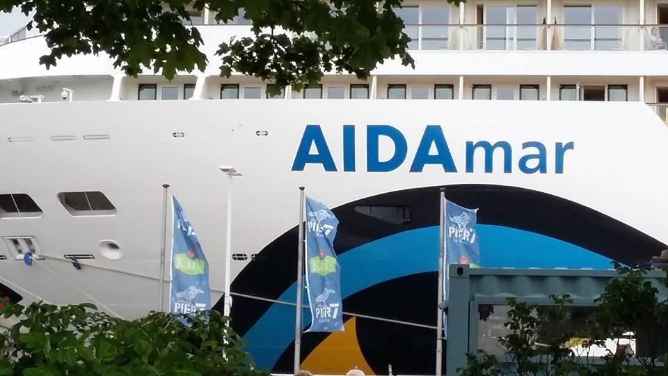AIDAmar im Hafen