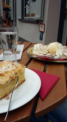 Snack im Klostercafé