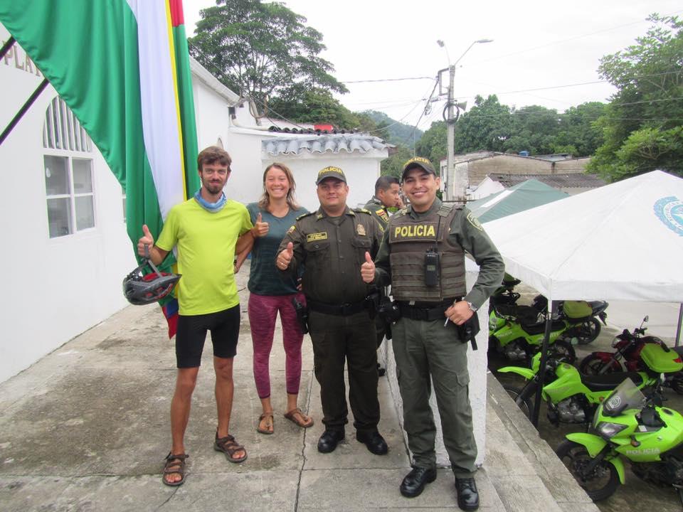L'hospitalité des policiers colombiens!