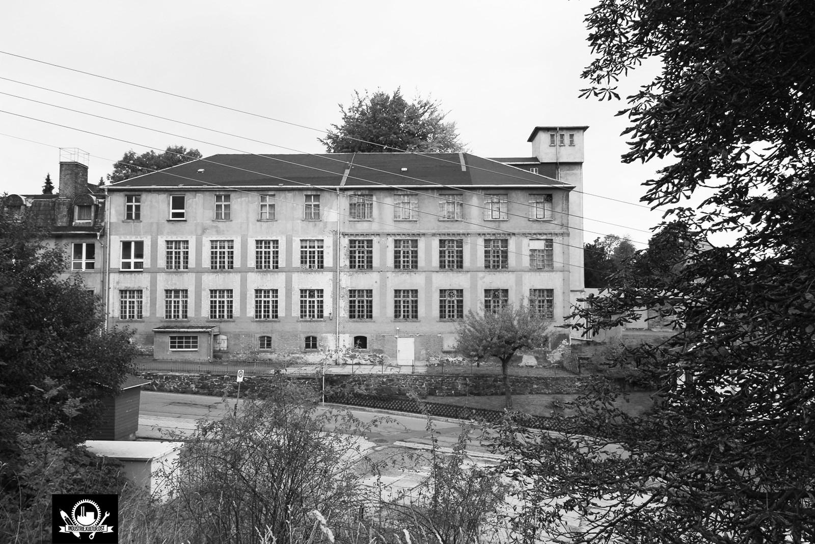VEB KRUSO Strumpffabrik - Krumhermersdorf