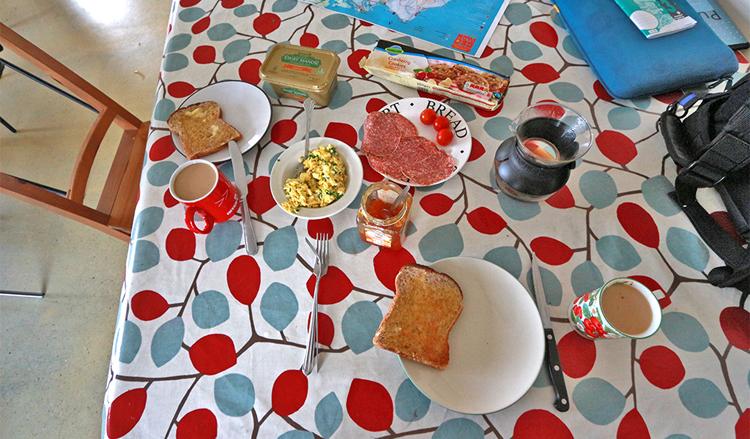 Beim Frühstück mussten wir nachbessern, sonst wäre dieses sehr spärlich ausgefallen.