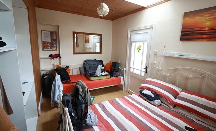 Ein Sofa für den Tag oder als Ablagefläche hatten wir auch.