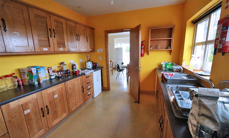 Die Küche wirkte zeitweise etwas unaufgräumt. Privates von allgemeinem zu trennen war auch nicht ganz einfach.