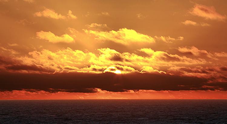 Sonnenuntergang in Portrush, Nordirland.