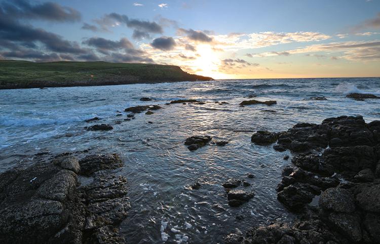 """Sunset am nördlichen Ausläufer der """"Portrush-Halbinsel""""."""
